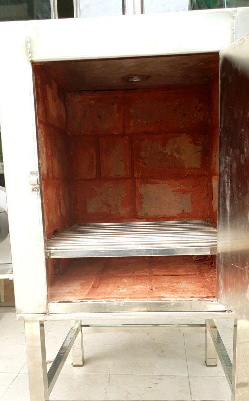 Lò ủ than bên trong có lớp gạch chịu nhiệt